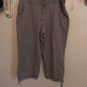 Pants - Grey capri sweatpants